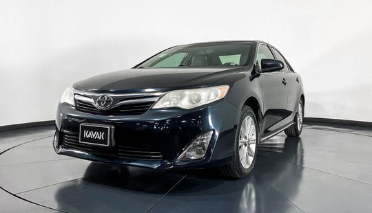 Toyota Camry XLE-2014
