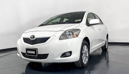 Toyota Yaris Premium-2014