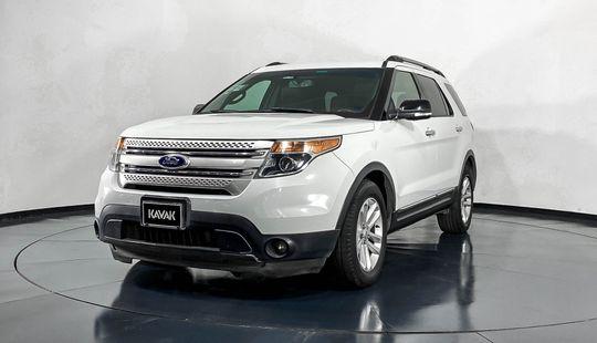 Ford Explorer XLT-2015